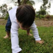 Ensi askeleet järjestön menestykseen ovat mission, tavoitteen strategian määrittäminen, rohkeus sen toeuttamiseksi ja yhteistyökyky - sitä kuvastaa seisomaan nouseva vauva